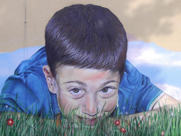 Artmos4, Fotorealistisch, Graffitiauftrag, Graffitikünstler, Mainova, Menschen, Paket, Pflanzen