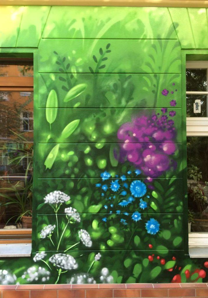 graffitikuenstler-graffitiauftrag-artmos4-graffiti-hausing-pflanzen