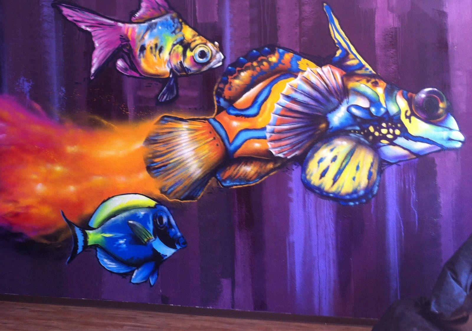 graffitiauftrag-graffitikuenstler-artmos4-fisch-bunt-abstrakt