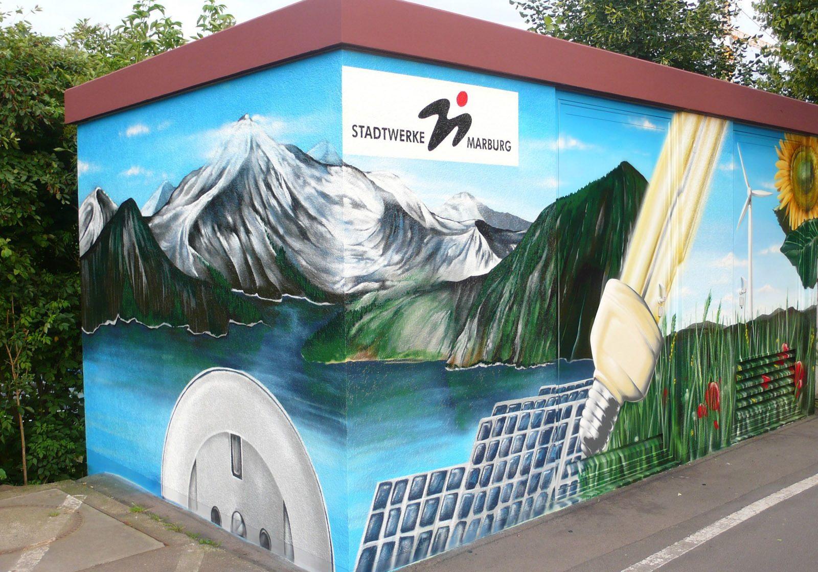 graffitiauftrag-graffitikuenstler-artmos4-stadtwerke-marburg-landschaft-pflanzen-fotorealistisch-energie