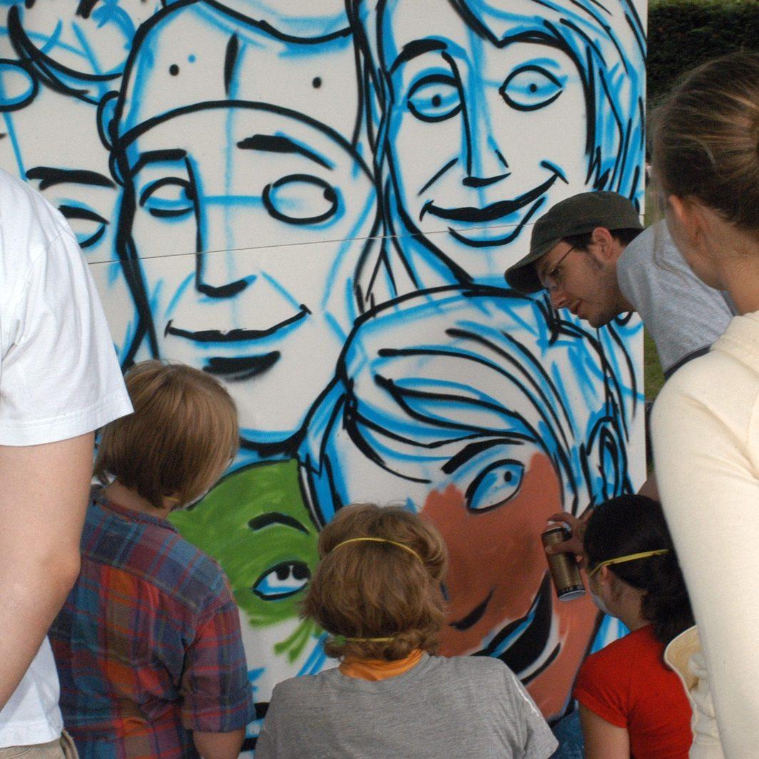 graffitiauftrag_graffitikuenstler_graffitikids_artmos4_kirchliche_einrichtung_event_graffiti_ingelheim_12