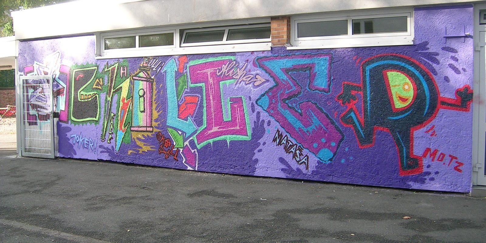 graffitiauftrag_graffitikuenstler_graffitikids_artmos4_schiller_schule_event_graffiti_offenbach_11