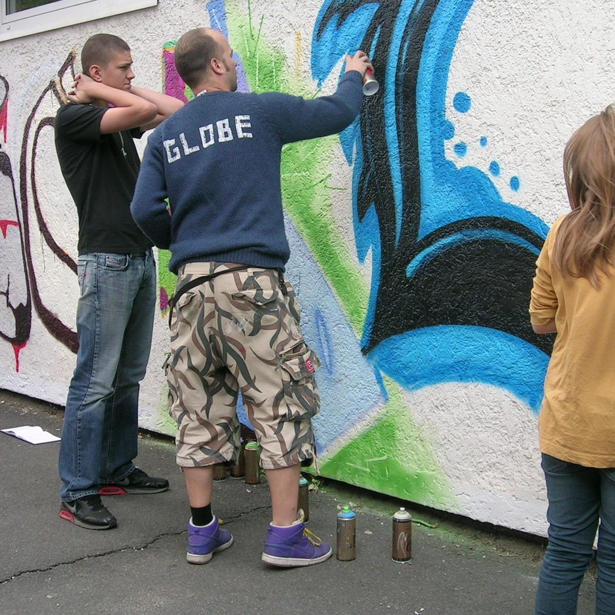 graffitiauftrag-graffitikuenstler-graffitikids-artmos4-schiller-schule-event-graffiti-offenbach