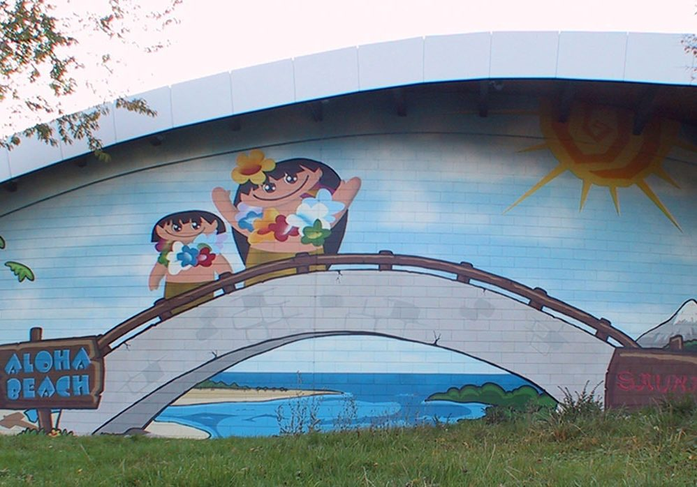 graffitiauftrag-graffitikuenstler-wandgestaltung-artmos4-frankfurt-rebstockbad-comic