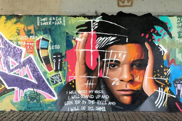 graffiti-graffitiauftrag-artmos4-basquiat-livingwalls-abstrakt-bunt