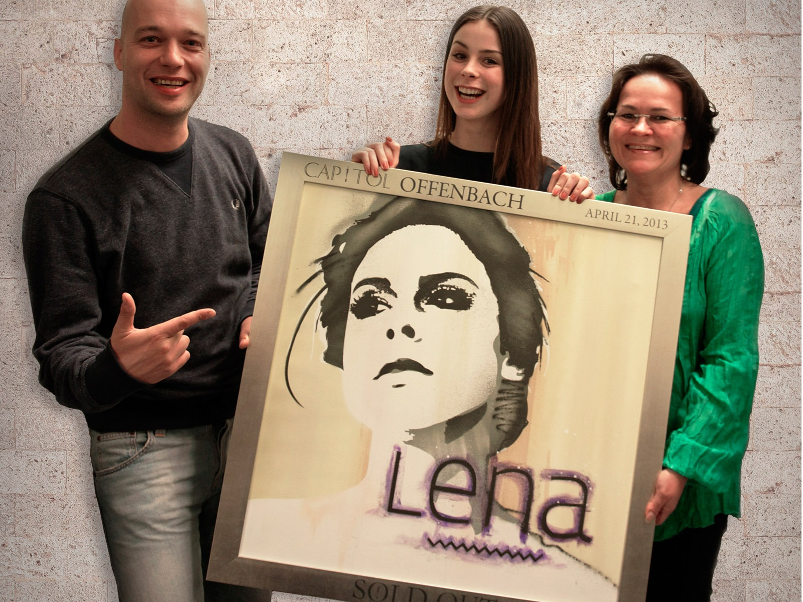 graffitiauftrag_artmos4_sold_out_award_lena_meyer_landrut_Stadthalle_Offenbach_Leinwand_Graffiti