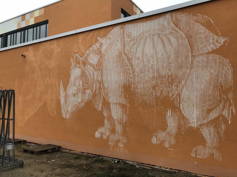 Graffitikuenstler, Graffitiauftrag, Artmos4, AlbrechtDuererSchule, Nashorn, Rasterbild