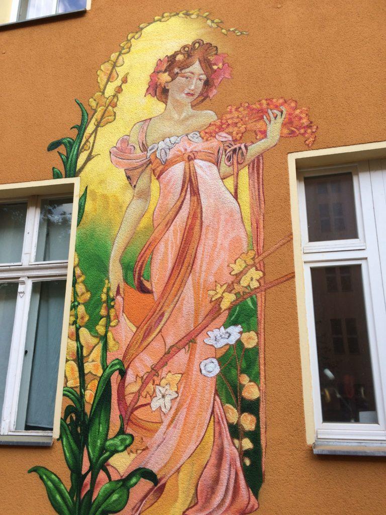 Graffitikuenstler, Graffitiauftrag, Artmos4, Housing, Berlin, Pflanzen, Menschen, Comic