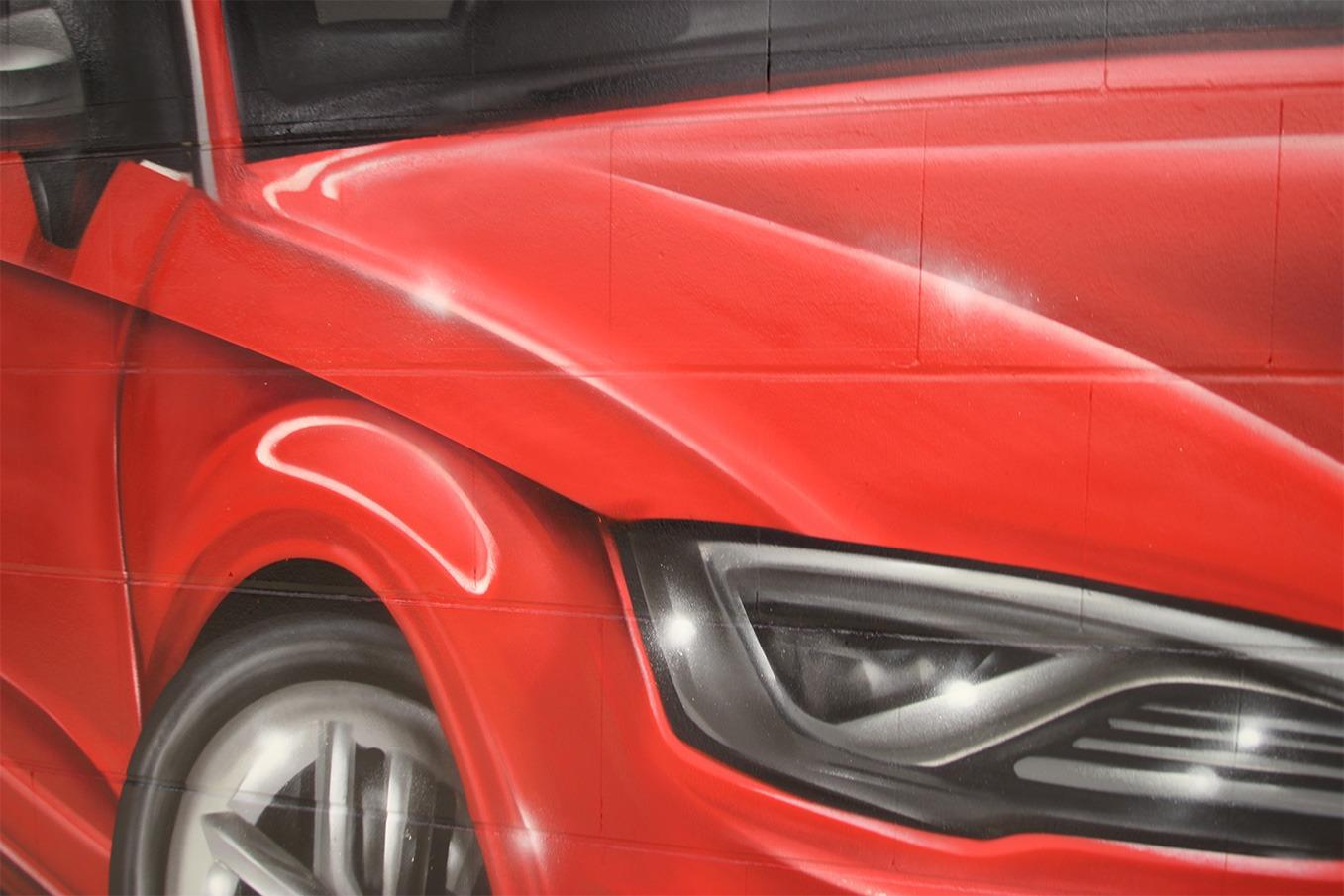 graffitiauftrag-graffitikuenstler-artmos4-Audi_Ingolstadt_2014_Auto_grafisch_innen_rot_fotorealistisch_Fahrzeuge