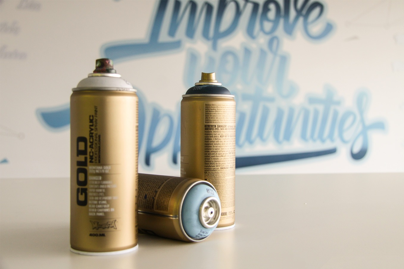 graffitiauftrag-graffitikuenstler-artmos4-FAS_AG_2015_grafisch_schrift_innen_blau_finanzen_dienstleistung