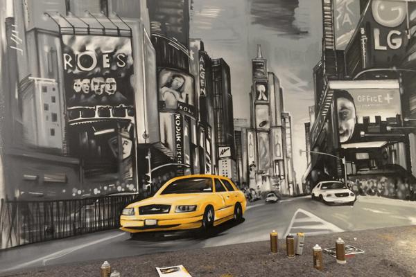 graffitiauftrag-graffitikuenstler-artmos4-Office_Plus_2015_new_york_skyline_sehenswürdigkeiten_landschaft_auto_straße_innen_grau_gelb_kunst_dienstleistung