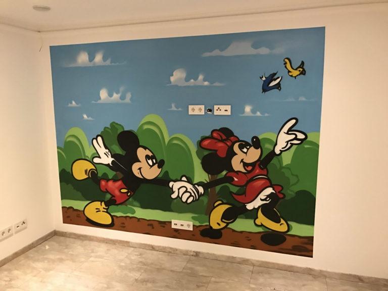 Graffitikuenstler, Graffitiauftrag, Artmos4, MickeyMouse, Landschaft, Comic, Disney