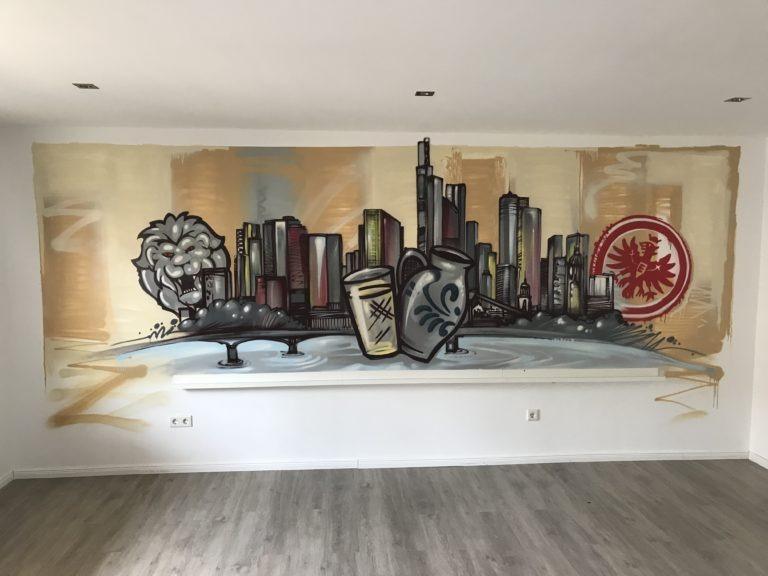 Graffitikuenstler, Graffitiauftrag, Artmos4, Frankfurt, Skyline, Bembel, EintrachtFrankfurt, illustrativ