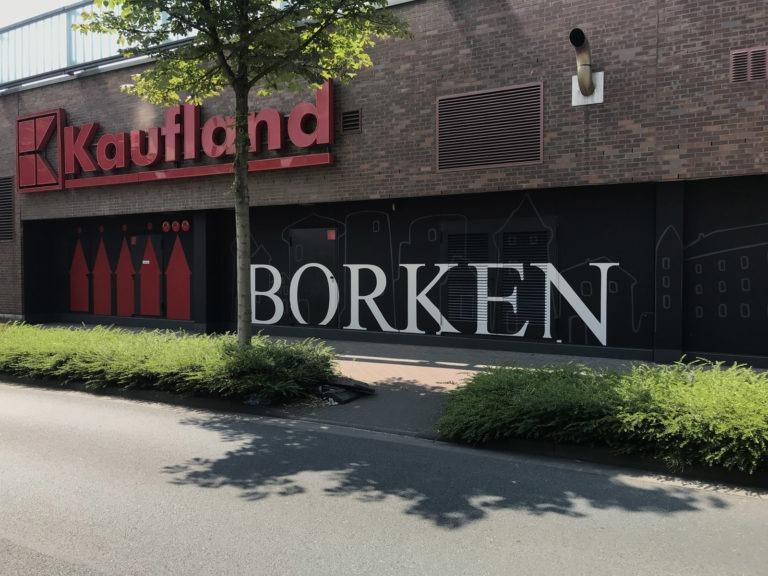 Graffitikuenstler, Graffitiauftrag, Artmos4, Kaufland, Borken, Schriftzug, Skyline, Grafik