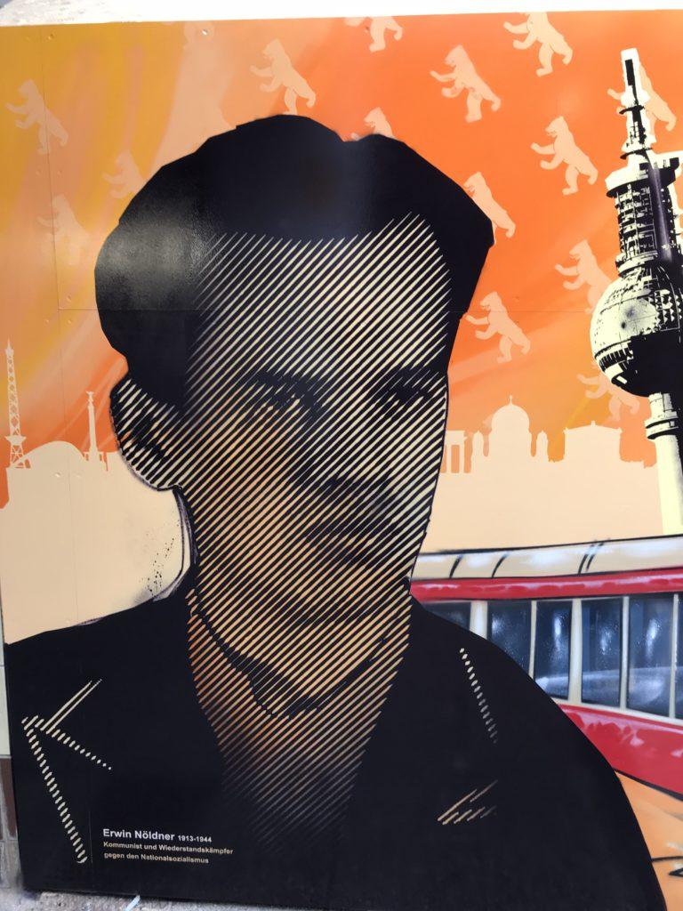Graffitikuenstler, Graffitiauftrag, Artmos4, DeutscheBahn, Rasterbild, Berlin, Grafik, Skyline