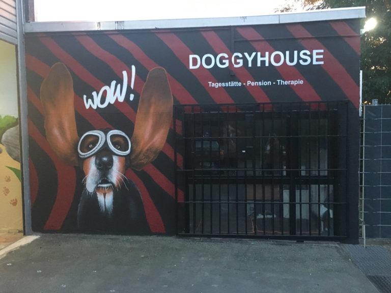 Graffitikuenstler, Graffitiauftrag, Artmos4, DoggyHouse, Tier, Schrift, Fotorealistisch, Grafik