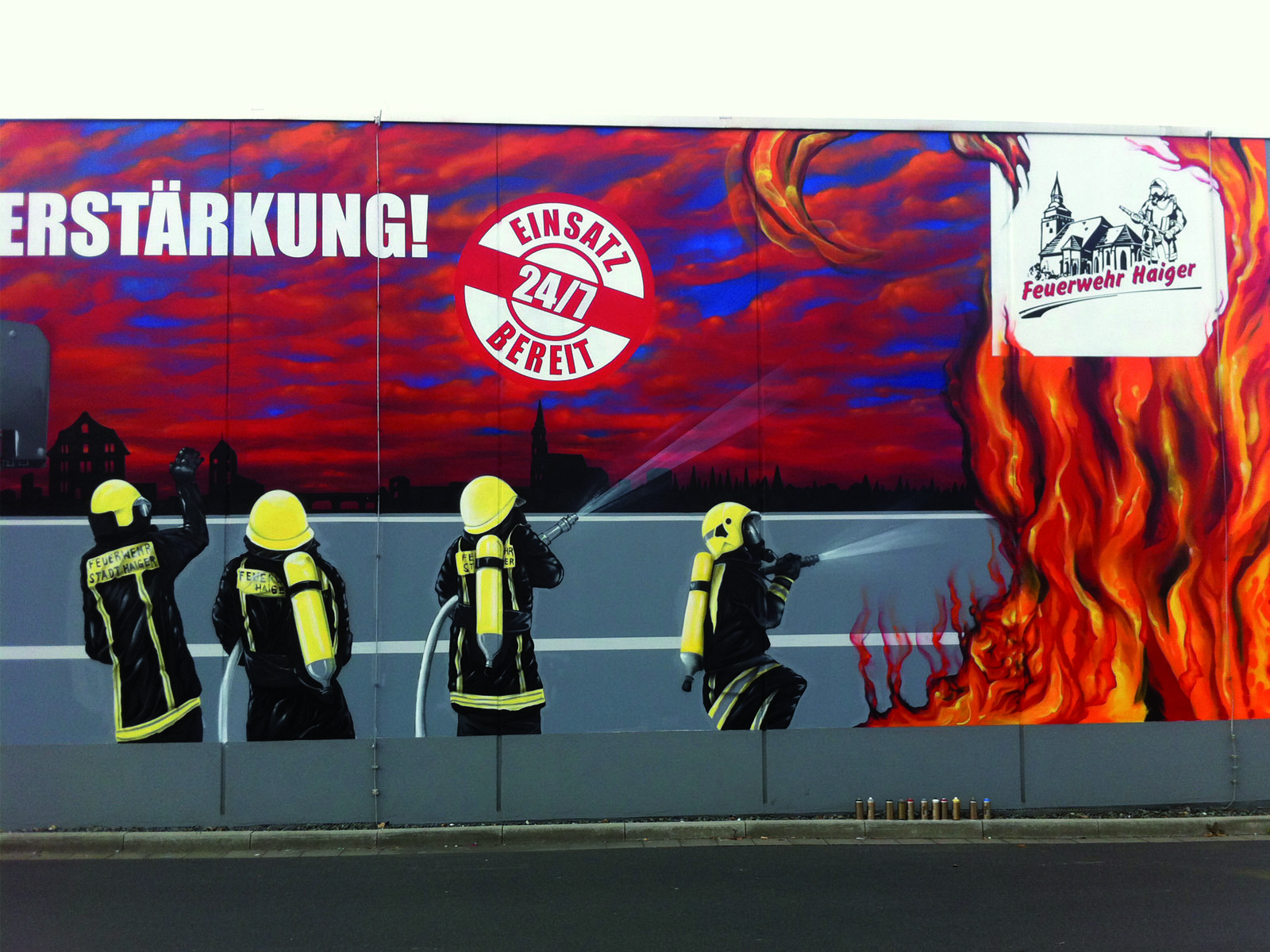 graffitiauftrag_graffitikuenstler_artmos4_feuerwehr_haiger_menschen_flammen_logo