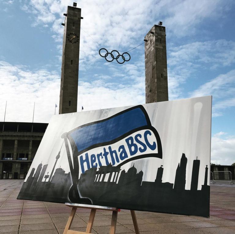 Graffitikuenstler, Graffitiauftrag, Artmos4, HerthaBSC, Flagge, Silhouette, Landschaft, Berlin