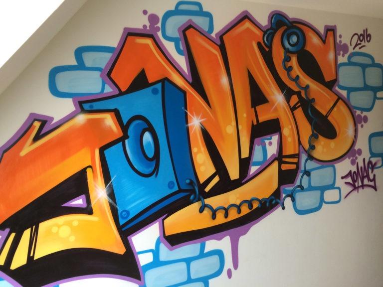 Graffitikuenstler, Graffitiauftrag, Artmos4, Illustrativ, Schrift