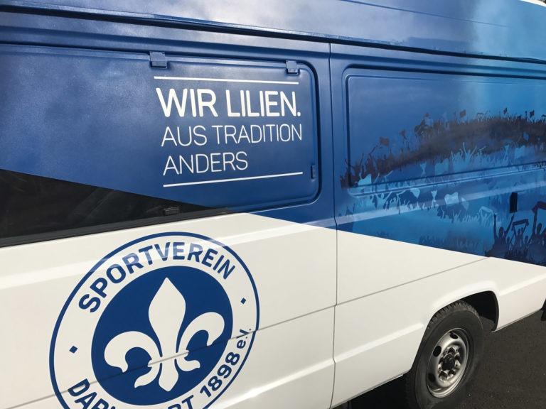 Graffitikuenstler, Graffitiauftrag, Artmos4, LilienDarmstadt, Bus, Silhouette, Logo, Grafisch