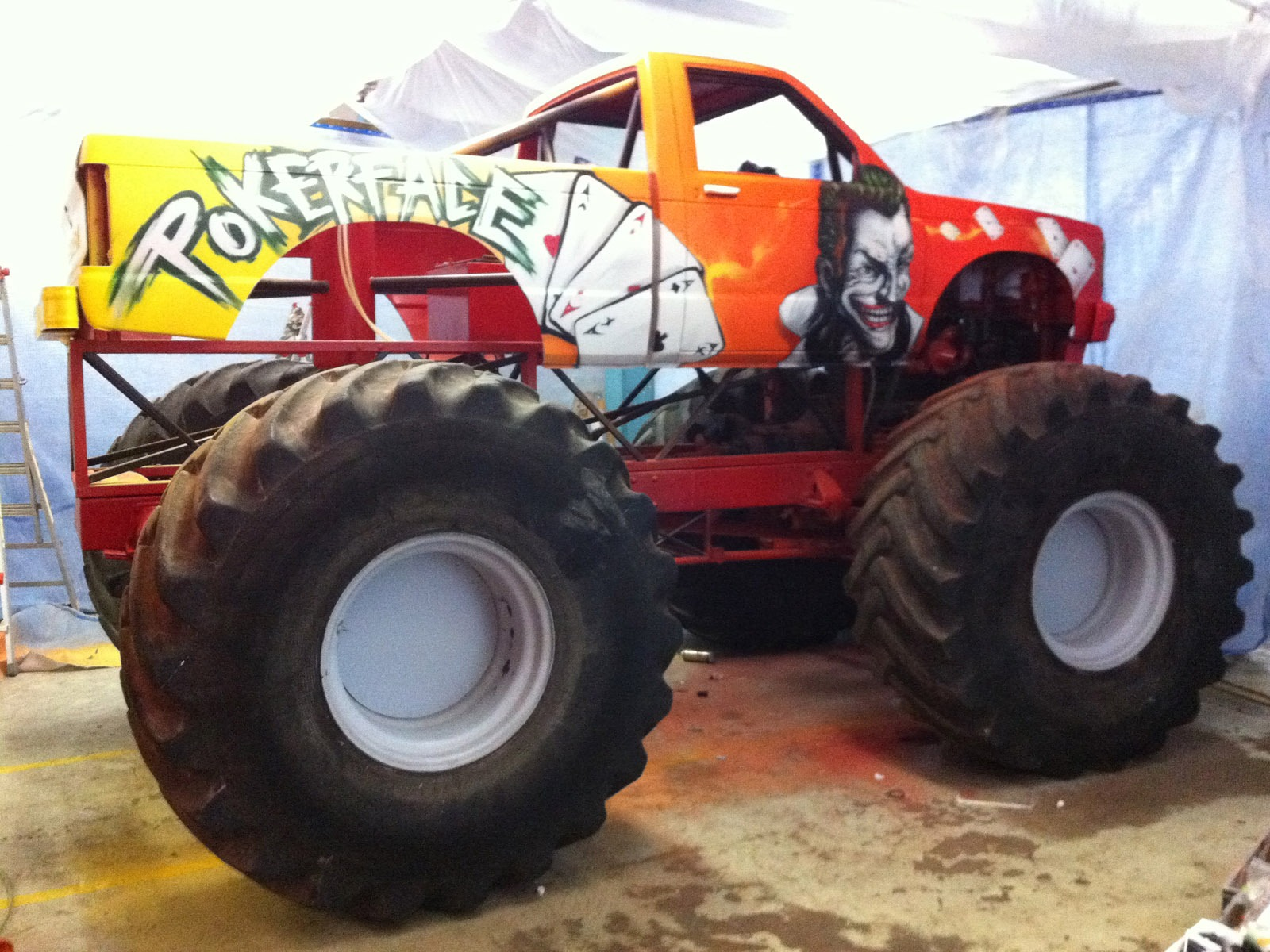 Monstertruck_Lehmann_auto_2012_Jocker_Spiel_Karten_gesicht_mensch_Objekt_rot_orange_Illustrativ_Privat