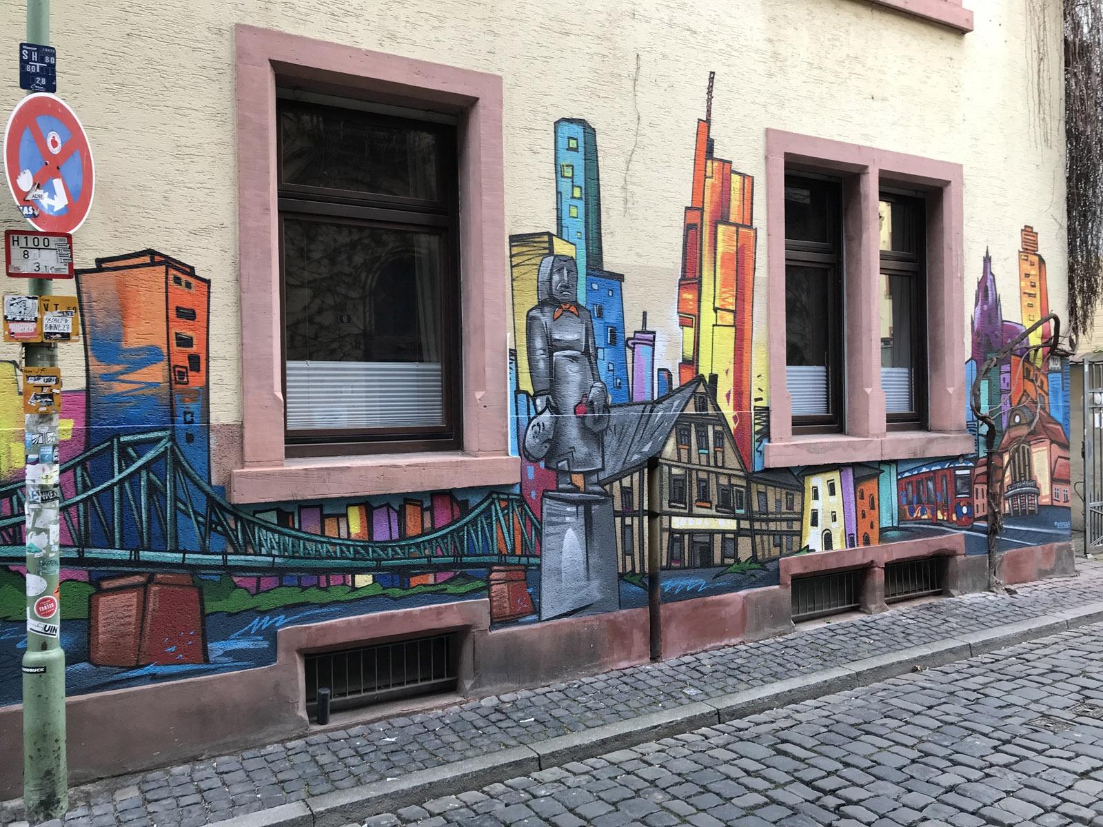 graffitiauftrag-graffitikuenstler-artmos4-niedergesaess-sachsenhausen-2018-skyline-silhouette-landschaft-sehenswuerdigkeiten-aussen-bunt-illustrativ-kunst-privat