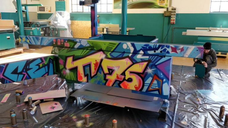 Graffitikuenstler, Graffitiauftrag, Artmos4, OttoMartinGmbH, Maschine, Graffiti, Bunt, Streetart
