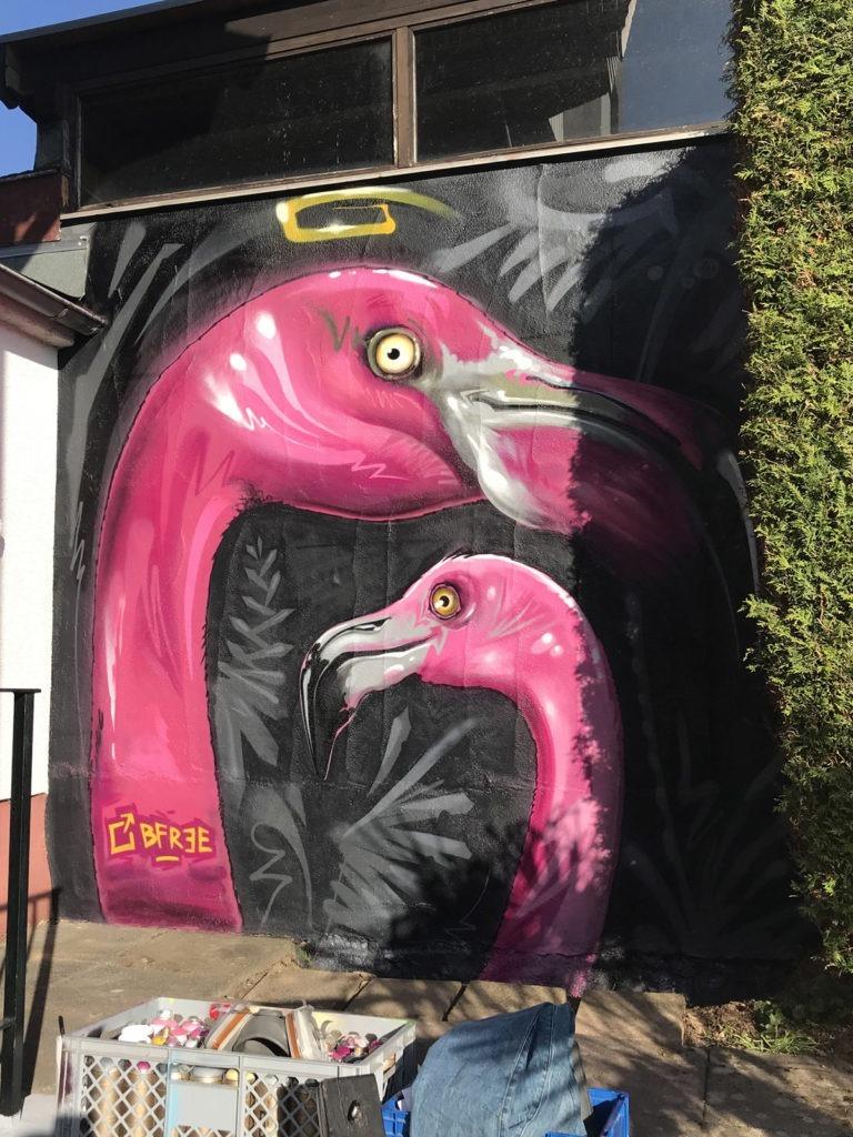 Graffitikuenstler, Graffitiauftrag, Artmos4, Tiere, Flamingo, illustrativ, Pflanzen