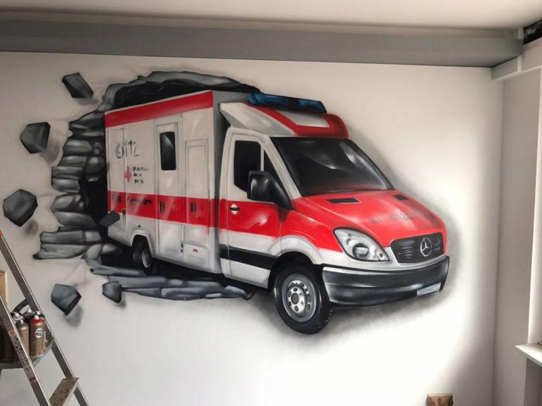 Graffitikuenstler, Graffitiauftrag, Artmos4, RotesKreuz, Rettungswagen, Fotorealistisch