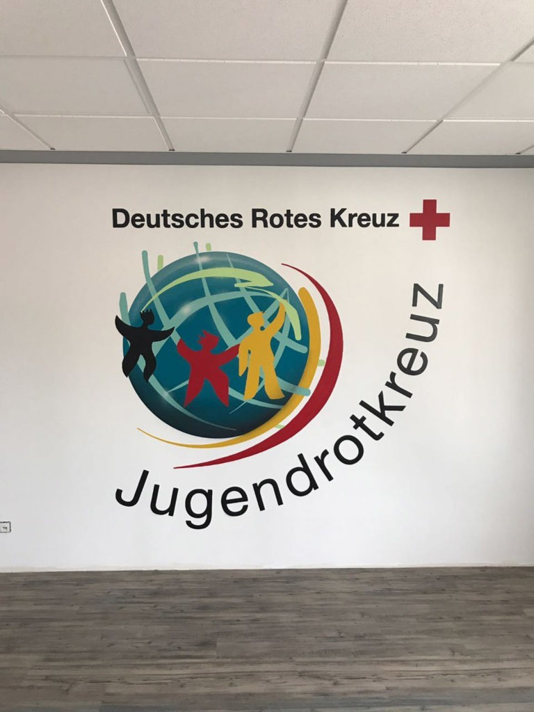 Graffitikuenstler, Graffitiauftrag, Artmos4, RotesKreuz, Logo, Plakativ
