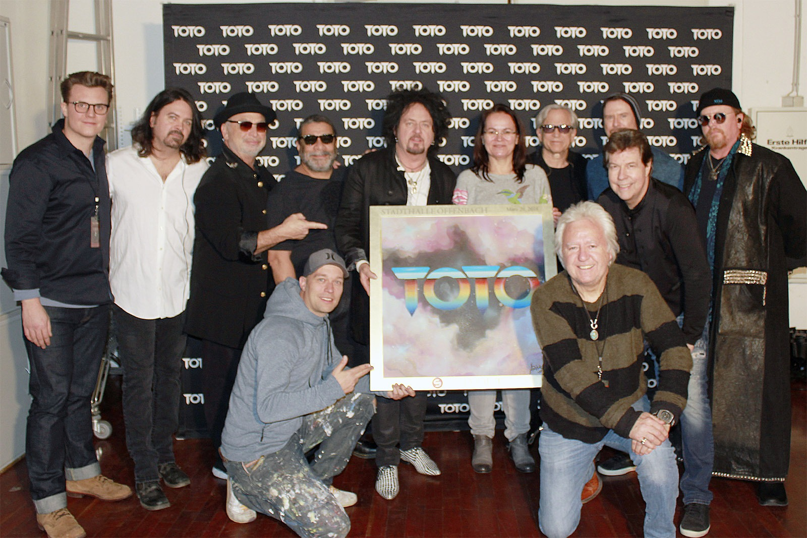 Sold_Out_Award_Stadthalle_Offenbach_2018_Toto_Leinwand_folie_3
