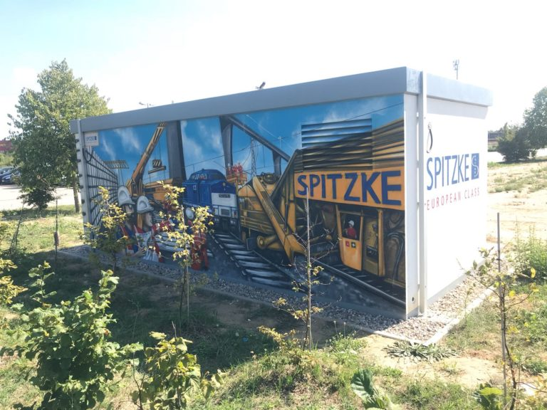 Graffitikuenstler, Graffitiauftrag, Artmos4, Spitzke, Grossbeeren, Menschen, Fahrzeug, Comic, Logo