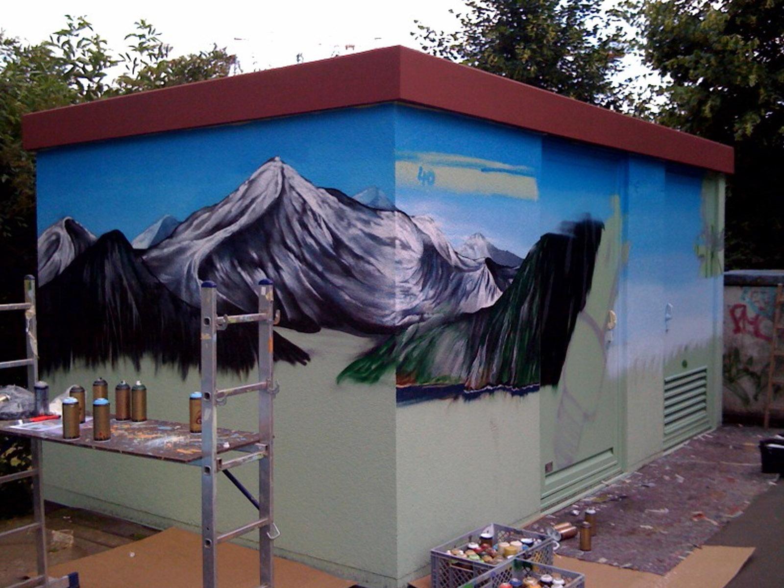 graffitiauftrag_graffitikuenstler_artmos4_stadtwerke_marburg_landschaft_energie_2