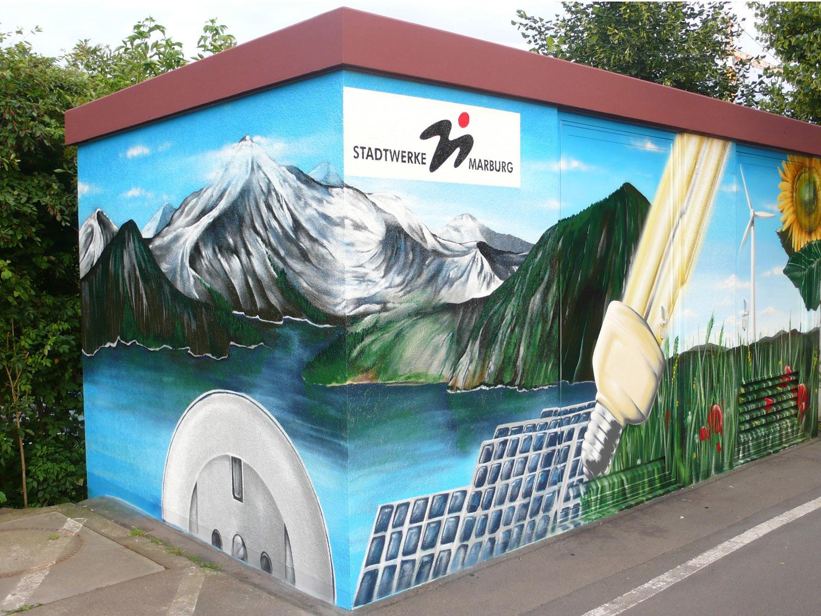 graffitiauftrag_graffitikuenstler_artmos4_stadtwerke_marburg_landschaft_pflanzen_fotorealistisch_energie
