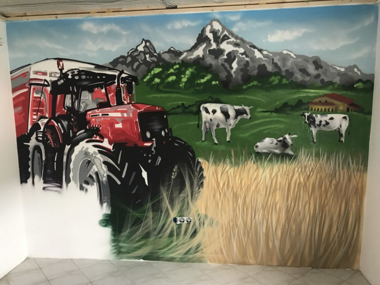 Graffitikuenstler, Graffitiauftrag, Artmos4, Landschaft, Tier, Traktor, illustrativ