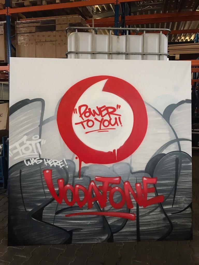 Graffitikuenstler, Graffitiauftrag, Artmos4, Vodafone, Logo, Schrift, Tags, Style