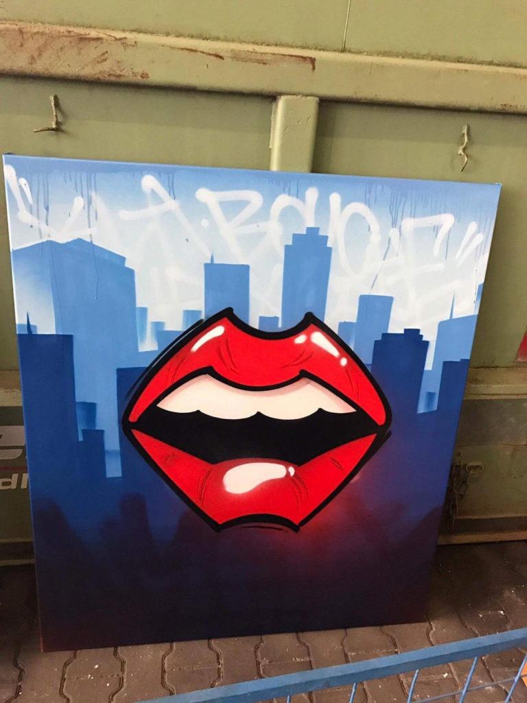 Graffitikuenstler, Graffitiauftrag, Artmos4, Vodafone, Leinwand, Schrift, Skyline, illustrativ