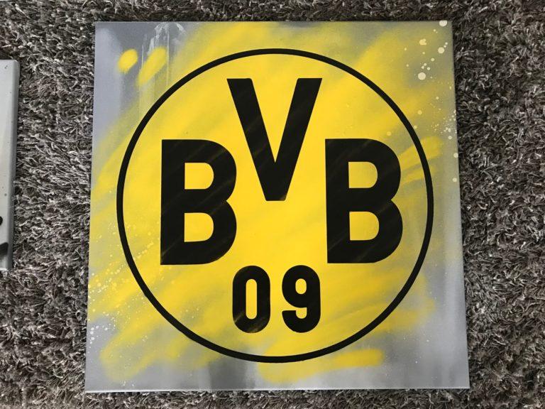Graffitikuenstler, Graffitiauftrag, Artmos4, ZuhauseimGlueck, Logo, BVB, Leinwand