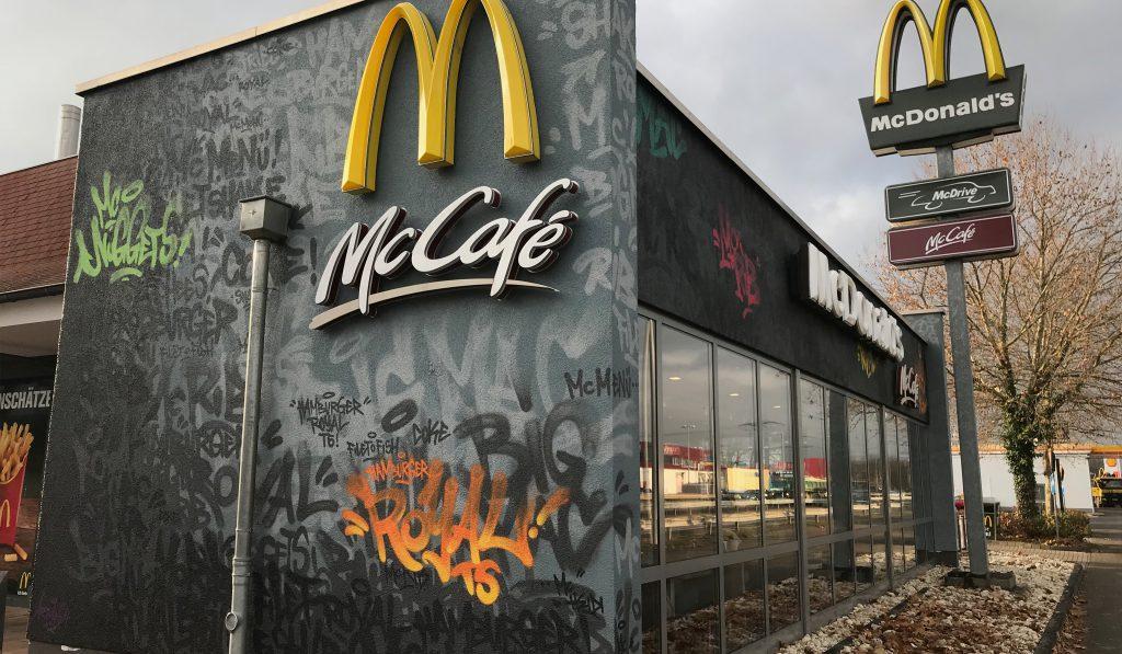 graffitiauftrag, graffitikuenstler, artmos4